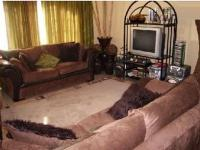 Lounges - 22 square meters of property in Boksburg