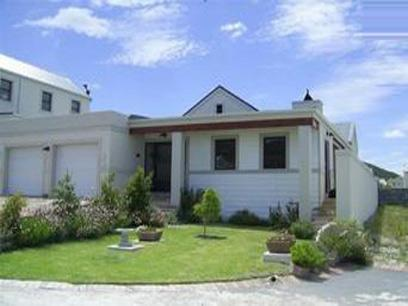 2 Bedroom House For Sale in Hermanus - Home Sell - MR04478