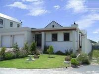 2 Bedroom 2 Bathroom House for Sale for sale in Hermanus