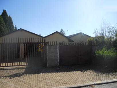 Standard Bank EasySell 3 Bedroom House for Sale For Sale in Birchleigh North - MR04488