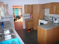 Kitchen - 16 square meters of property in Queenswood
