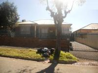 3 Bedroom 1 Bathroom in Malvern - JHB