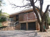 4 Bedroom 2 Bathroom in Val de Grace