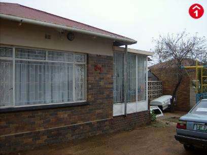 Standard Bank EasySell 3 Bedroom House For Sale in South Hills - MR049672