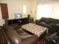 Lounges - 25 square meters of property in Symhurst