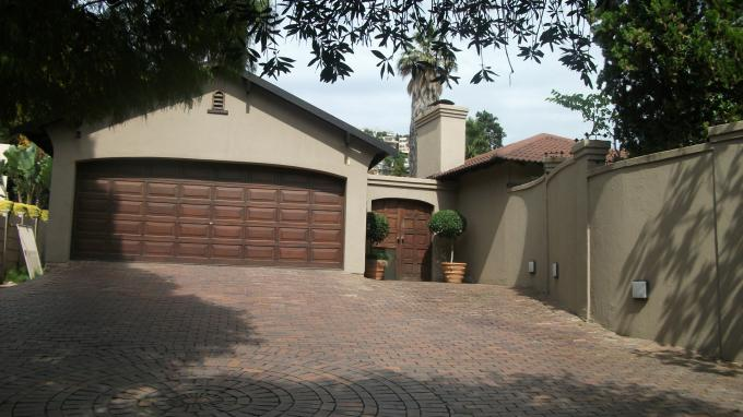 Standard Bank EasySell 5 Bedroom Cluster For Sale in Linksfield - MR050169