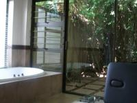 Main Bathroom - 14 square meters of property in Linksfield