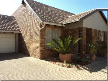 Standard Bank EasySell 4 Bedroom Sectional Title for Sale For Sale in Rooihuiskraal North - MR050383