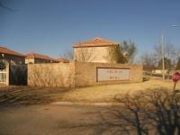 2 Bedroom 2 Bathroom in Randfontein