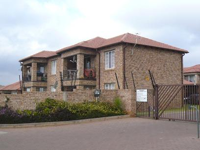 Standard Bank EasySell 2 Bedroom Simplex for Sale in Midrand - MR050570