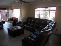 Lounges - 36 square meters of property in Alberton