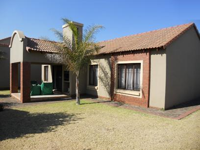 3 Bedroom Sectional Title for Sale For Sale in Eco-Park Estate - Private Sale - MR050930