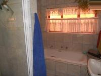 Main Bathroom - 6 square meters of property in Winchester Hills