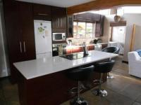 Kitchen - 15 square meters of property in Edgemead