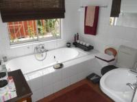 Bathroom 1 - 5 square meters of property in Edgemead