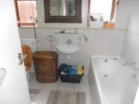 Bathroom 2 - 6 square meters of property in Edgemead
