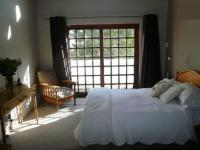 Main Bedroom - 18 square meters of property in Moreletapark