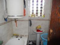 Main Bathroom - 4 square meters of property in Bluff