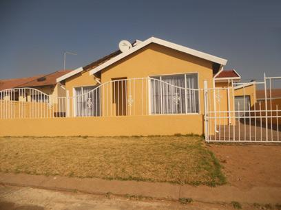Standard Bank EasySell 2 Bedroom House For Sale in Vosloorus - MR051741
