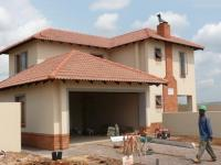 3 Bedroom 3 Bathroom House for Sale for sale in Monavoni
