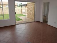 Lounges - 23 square meters of property in Heuweloord