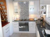 Kitchen - 10 square meters of property in Monument Park
