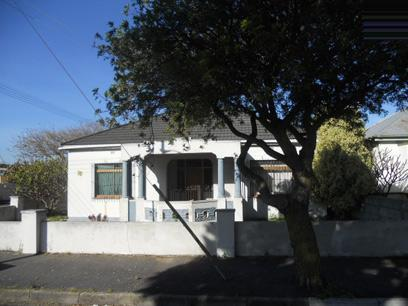 Standard Bank EasySell 4 Bedroom House For Sale in Goodwood - MR051937