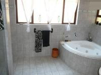 Bathroom 1 - 14 square meters