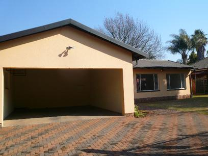 Standard Bank EasySell 5 Bedroom House for Sale For Sale in Eldoraigne - MR052235