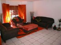 Lounges - 25 square meters of property in Annlin