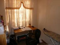 Bed Room 2 - 8 square meters of property in The Orchards