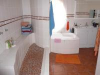 Main Bathroom - 16 square meters of property in Pretoria North