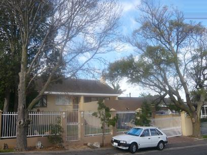 3 Bedroom House for Sale For Sale in Parow Central - Private Sale - MR05243