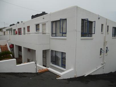 Standard Bank Repossessed 3 Bedroom Sectional Title for Sale on online auction in Margate - MR052457