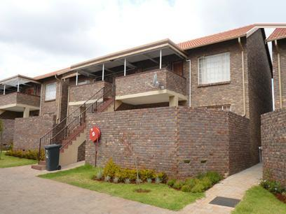 2 Bedroom Simplex for Sale For Sale in Proklamasie Hill - Home Sell - MR05248