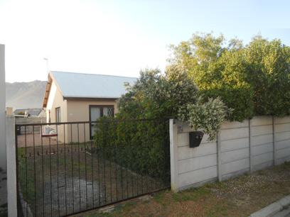 Standard Bank EasySell 2 Bedroom House For Sale in Gordons Bay - MR052547