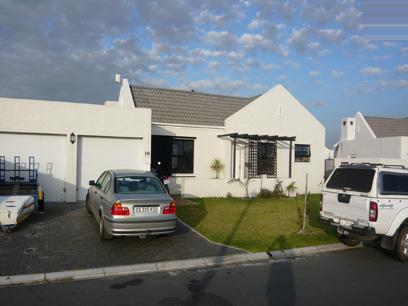 3 Bedroom House for Sale For Sale in Sunningdale - CPT - Private Sale - MR05280