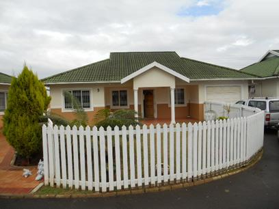 3 Bedroom Simplex for Sale and to Rent For Sale in Mount Edgecombe  - Private Sale - MR052962