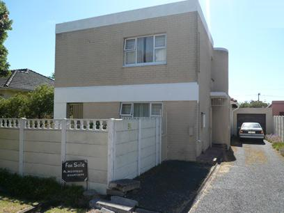 4 Bedroom House For Sale in Rondebosch   - Private Sale - MR05304