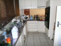 Kitchen - 14 square meters of property in La Montagne