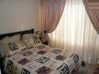 Bed Room 1 - 15 square meters of property in La Montagne