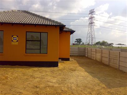 3 Bedroom House to Rent in Rosettenville - Property to rent - MR05358
