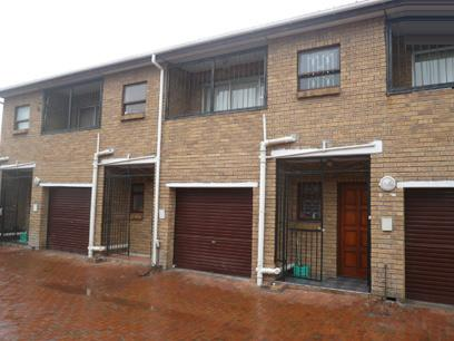 3 Bedroom Duplex for Sale For Sale in Athlone - CPT - Private Sale - MR05362