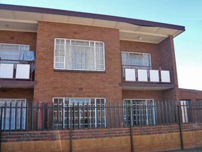 2 Bedroom Apartment for Sale For Sale in Krugersdorp - Home Sell - MR05376