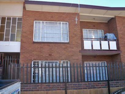 2 Bedroom Apartment For Sale in Krugersdorp - Home Sell - MR05377