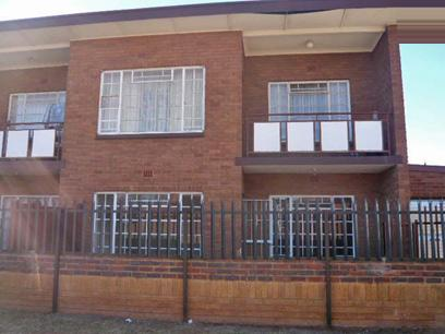 2 Bedroom Apartment for Sale For Sale in Krugersdorp - Home Sell - MR05378