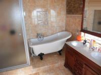 Bathroom 1 - 10 square meters of property in Florauna