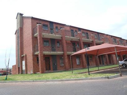Standard Bank Repossessed 1 Bedroom Sectional Title on online auction in Karenpark - MR053985