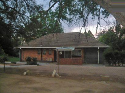 FNB Repossessed 3 Bedroom House For Sale in Virginia - Free State - MR05417