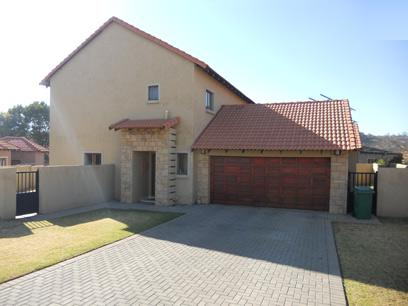 Standard Bank Mandated 3 Bedroom House for Sale on online auction in Silver Lakes Golf Estate - MR054758